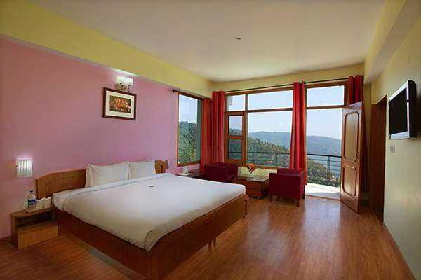 United 21 Resort Shimla Room 1